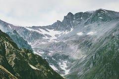 Paesaggio dei picchi della gamma di Rocky Mountains Immagini Stock
