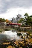 Paesaggio del castello giapponese in autunno fotografia stock libera da diritti