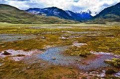 Paesaggio del cielo e della montagna   fotografia stock