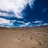 Paesaggio del deserto dell'alta montagna dell'Himalaya Fotografia Stock