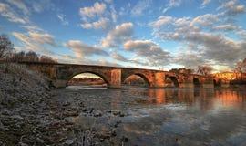 Paesaggio del fiume di Arno, Toscana, Italia fotografia stock