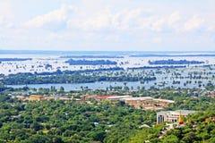 Paesaggio del fiume di Mandalay Irrawaddy, Myanmar fotografia stock libera da diritti