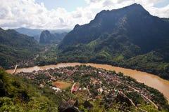 Paesaggio del fiume di Nong Khiaw e del Ou, Laos Fotografie Stock Libere da Diritti