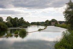 Paesaggio del fiume in Francia Immagini Stock
