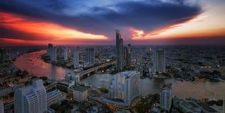 Paesaggio del fiume nella città di Bangkok Fotografie Stock Libere da Diritti