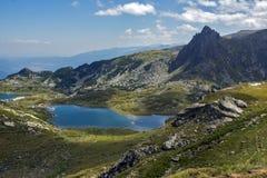 Paesaggio del gemello e dei laghi trefoil, i sette laghi Rila, Bulgaria Fotografia Stock