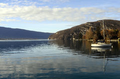 Paesaggio del lago annecy in Francia Fotografia Stock Libera da Diritti