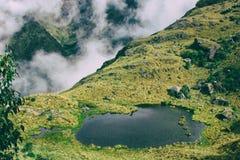 Paesaggio del lago e natura nelle montagne Fotografia Stock Libera da Diritti