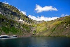 Paesaggio del lago eye, i sette laghi Rila, Bulgaria Fotografia Stock