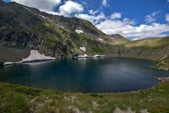 Paesaggio del lago eye, i sette laghi Rila, Bulgaria Fotografie Stock