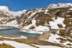 Paesaggio del lago mountain Alta strada alpina di Grossglockner in Austria Fotografia Stock