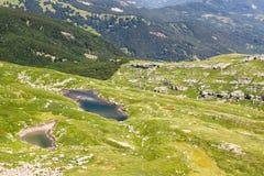 Paesaggio del lago mountain Appennini toscano, Italia Immagine Stock
