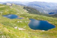 Paesaggio del lago mountain Appennini toscano, Italia Fotografia Stock