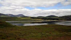 Paesaggio del lago mountain lungo il A82 in Scozia Fotografia Stock