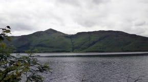 Paesaggio del lago mountain lungo il A82 in Scozia Fotografia Stock Libera da Diritti