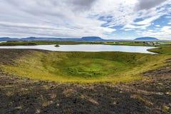 Paesaggio del lago Myvatn osservato da Skutustadagigar in Islanda del Nord fotografie stock
