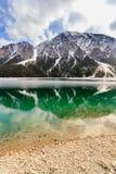 Paesaggio del lago Plansee e montagne delle alpi nell'inverno, uguaglianti vista, il Tirolo, Austria Fotografie Stock Libere da Diritti