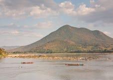 Paesaggio del lato del fiume in Tailandia Fotografia Stock