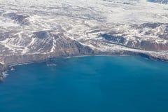 Paesaggio del litorale dell'Islanda di vista aerea nella stagione invernale Immagine Stock