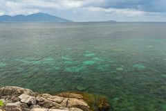 Paesaggio del mare della radura del turchese fotografia stock