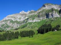 Paesaggio del massiccio della montagna Immagini Stock Libere da Diritti