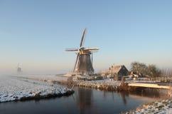 Paesaggio del mulino a vento di inverno in Olanda Immagini Stock Libere da Diritti
