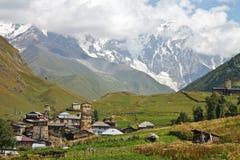 Paesaggio del paese in Svaneti, Ushguli Fotografia Stock
