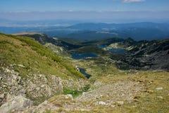 Paesaggio del più basso, del pesce e dei laghi trefoil, i sette laghi Rila, Bulgaria Fotografie Stock
