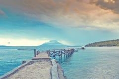 Paesaggio del ponte di legno nel porto Fotografia Stock Libera da Diritti