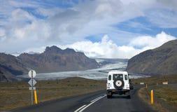 Paesaggio del sud dell'Islanda con il ghiacciaio Vatnajokull Immagini Stock