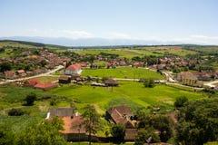 Paesaggio del villaggio di Cincu, contea di Brasov, Romania Fotografia Stock Libera da Diritti