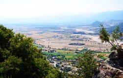Paesaggio del villaggio di Kalambaka fotografie stock
