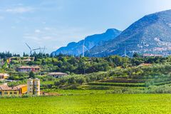 Paesaggio del villaggio nelle alpi Italia Fotografie Stock Libere da Diritti