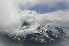 Paesaggio dell'alta montagna con le nuvole Fotografie Stock