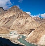 Paesaggio dell'alta montagna dell'Himalaya Fotografia Stock
