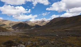 Paesaggio dell'alta montagna nel Tibet, Sichuan Cina Fotografia Stock Libera da Diritti