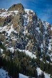 Paesaggio dell'alta montagna sull'inverno Immagini Stock Libere da Diritti