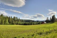 Paesaggio dell'azienda agricola del Montana Fotografia Stock