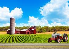 Paesaggio dell'azienda agricola del paese Fotografia Stock