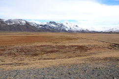 Paesaggio dell'Islanda con i picchi innevati dei vulcani Fotografia Stock Libera da Diritti