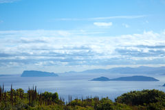 Paesaggio dell'oceano con le piccole isole Fotografia Stock