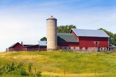 Paesaggio della campagna con l'azienda agricola Fotografie Stock Libere da Diritti
