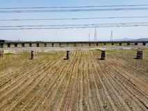 Paesaggio della campagna della Corea del Nord dal treno immagine stock