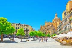 Paesaggio della cattedrale di Segovia e plaza mA del quadrato principale Fotografia Stock
