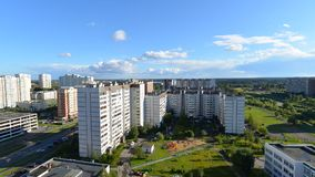 Paesaggio della città del distretto Zelenograd a Mosca stock footage