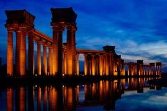 Paesaggio della città della Cina Tientsin -- Punti di riferimento di Binhai Dagang -- Colonna di Roma del parco dell'università Fotografie Stock
