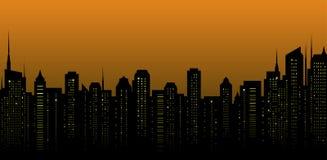Paesaggio della città di notte e molti grattacieli Fotografie Stock