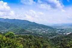Paesaggio della città di tonnellata di Tha in Mae Ai, Chiang Mai, Tailandia fotografia stock
