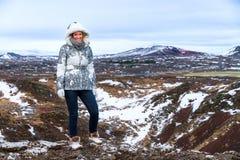 Paesaggio della donna di inverno fotografia stock