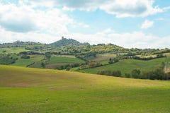 Paesaggio della fortezza toscana di Orcia d del ` di Castiglione e della campagna Immagini Stock
